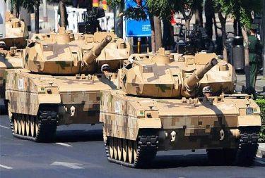 人民解放軍の海兵隊「陸戦隊」が15式軽戦車を受領