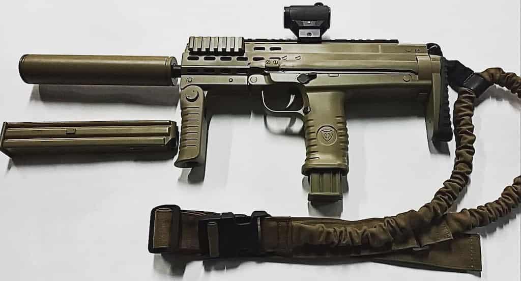 MP7?ウクライナのメーカーが発表したFort-230サブマシンガン