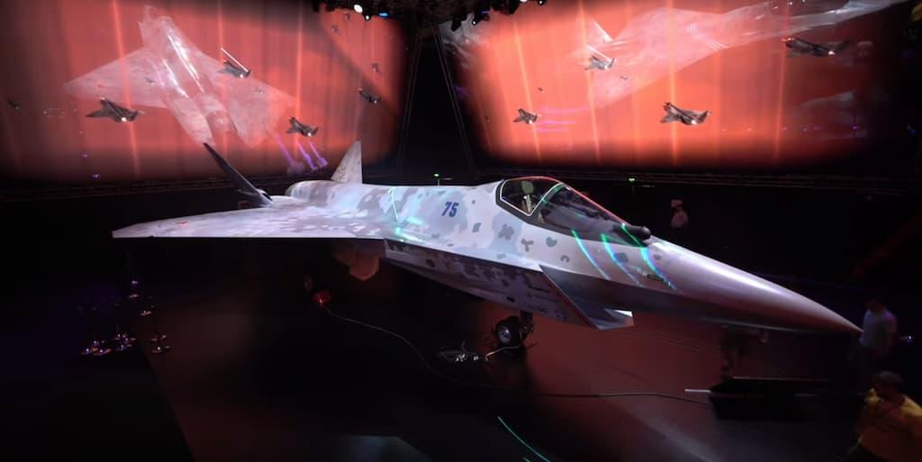 ロシアの新しい戦闘機LTSチェックメイト・Su-75