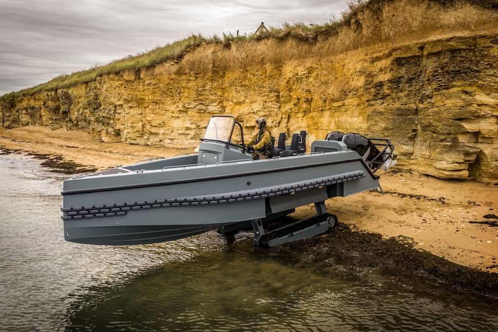 米海軍が導入している水陸両用高速戦闘艇「インターセプター」