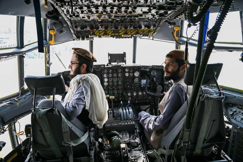 タリバン C-130