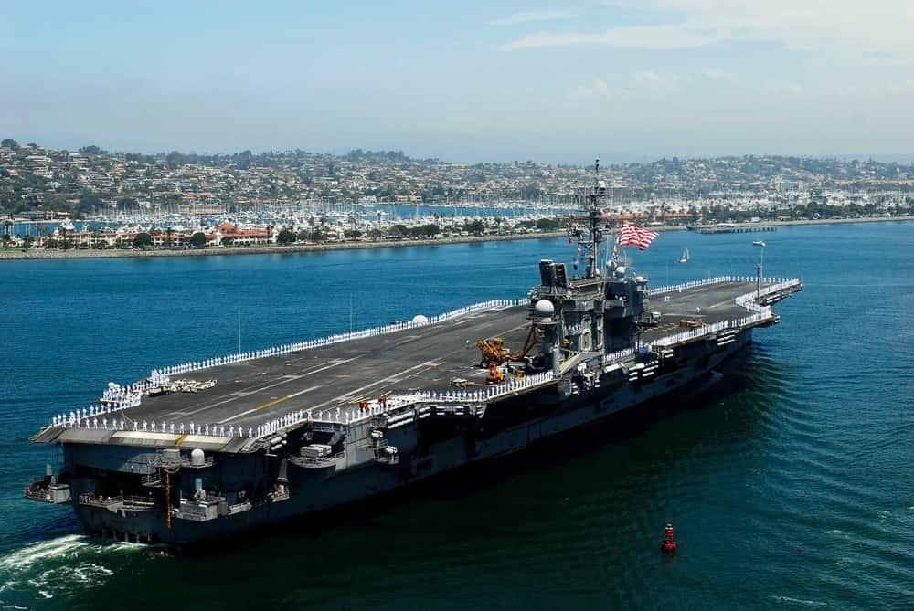 米海軍は空母キティホークとジョン・F・ケネディを1セントで売却しました